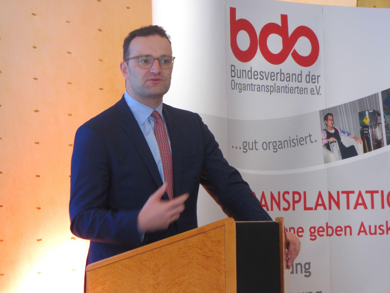 Minister Jens Spahn bei seiner Dankesrede